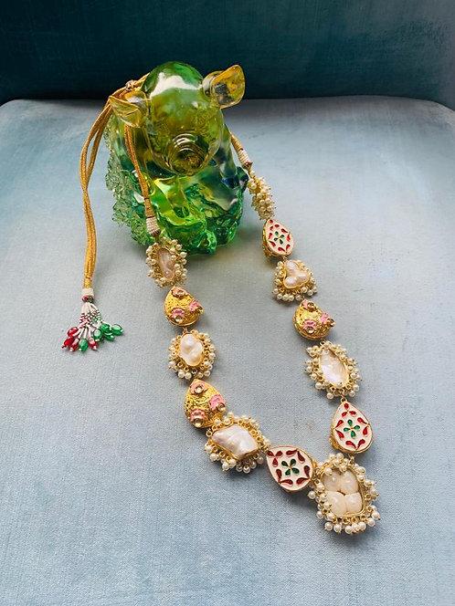 Emb Lace Beige Necklace