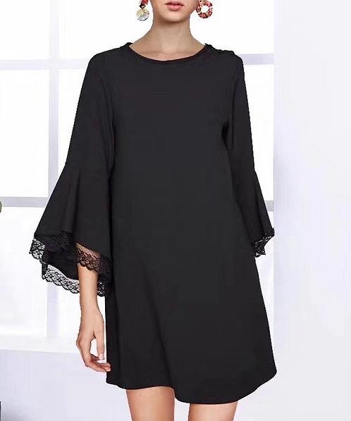 Dress w/Bell Lace Slv