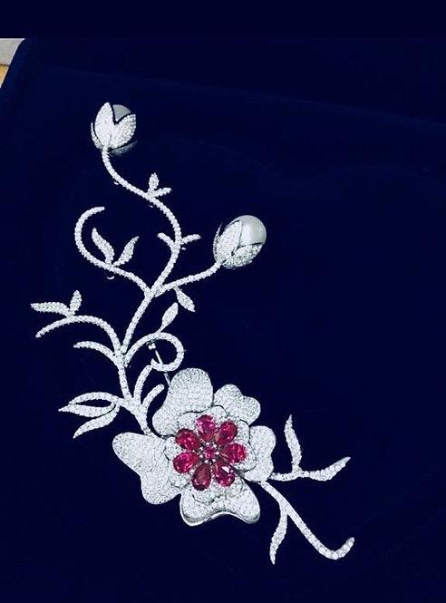PCH Italic flower Broach