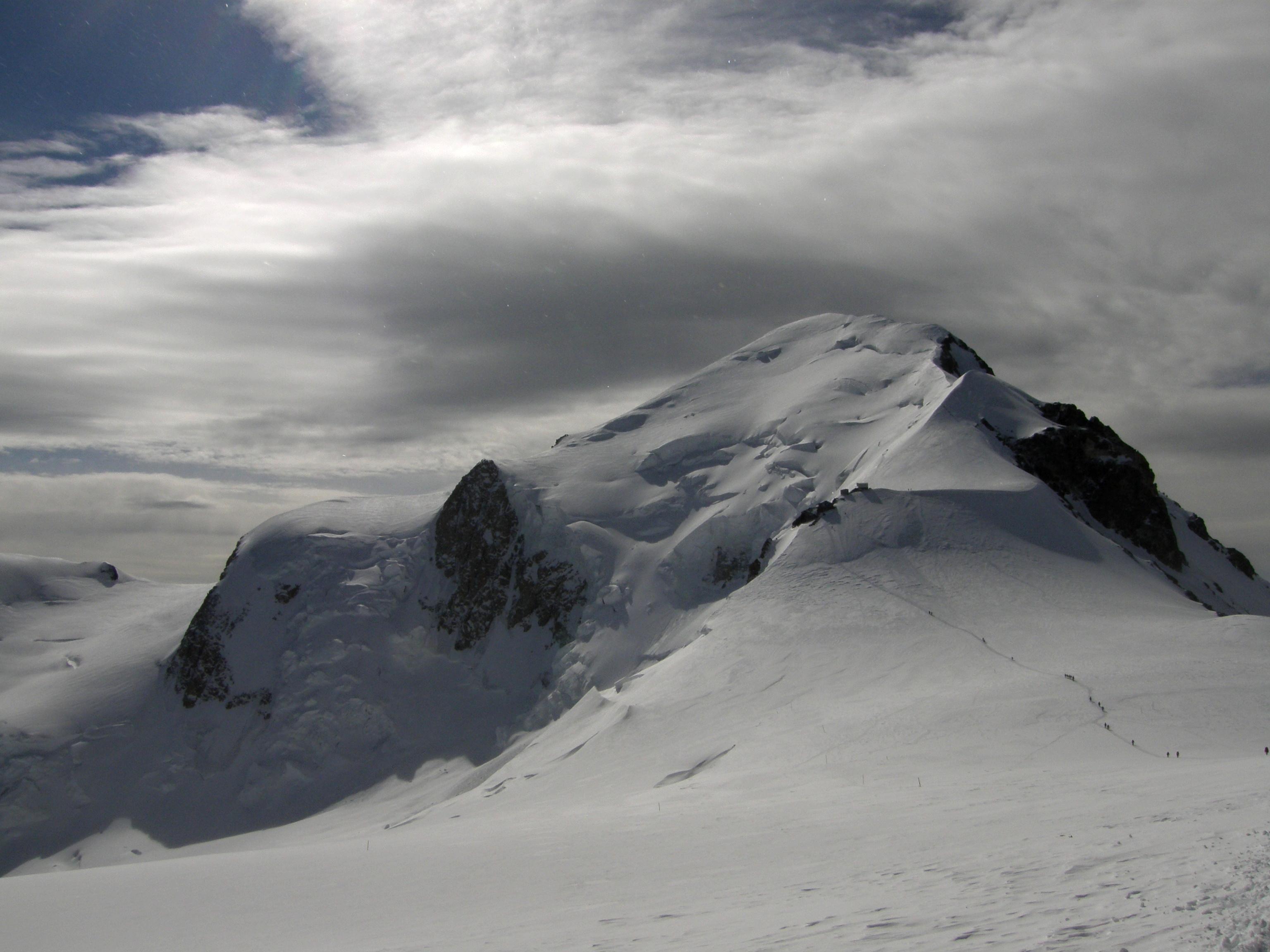 Mont Blanc (4 810 m; FRA)