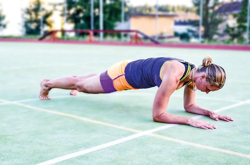 Plank, podpor na předloktích