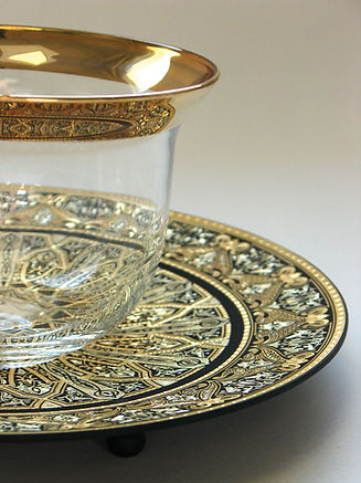 Gold damascene decorative plate