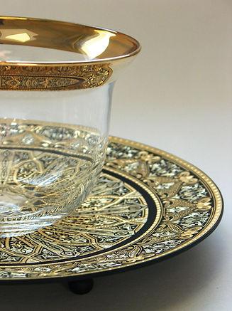 Gold damascene decorative plate
