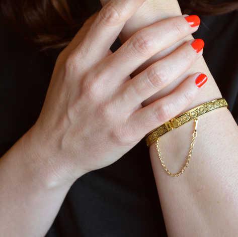61065 chain bangle