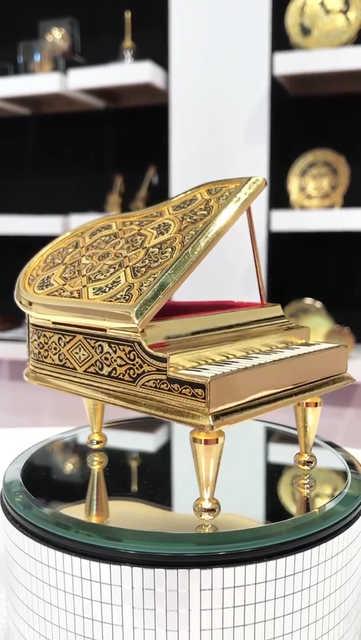 41341 grand piano replica