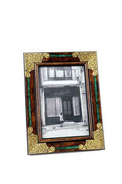 41568 wooden photo frate with geometric damascene decoration