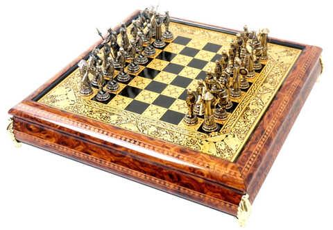41089 Juego de ajedrez damasquinado luxury renacimiento con piezas cervantinas.