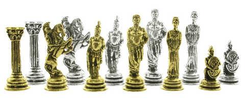 Conjunto de piezas de ajedrez griego.