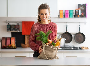 Rise Above Online Nutritionists Canada serving food
