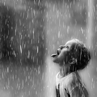 marius i regn bw inst crop.jpg