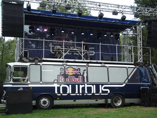 Things to Consider When Renting a Mobile Stage