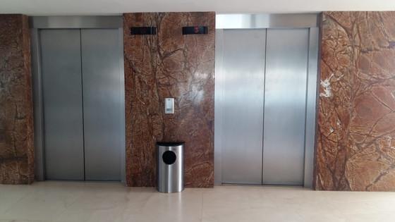 Elevadores / Elevators