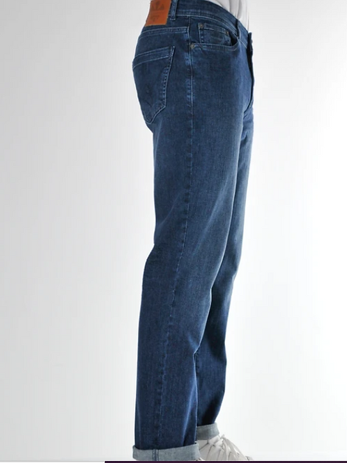 Bewley & Ritch  -Straight fit with stretch - mid wash