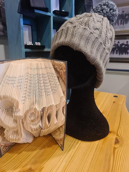 Stone bobble hat