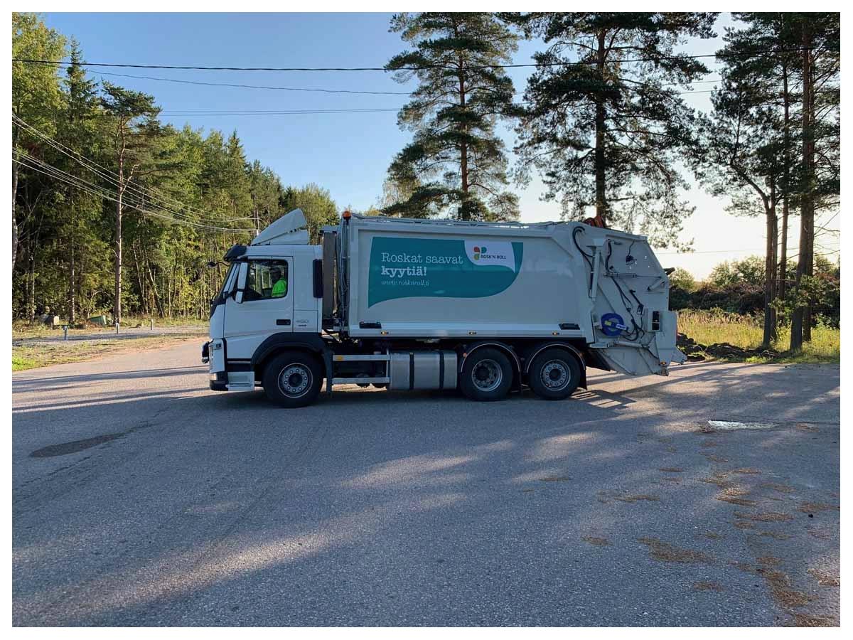 Pakkaava jäteauto