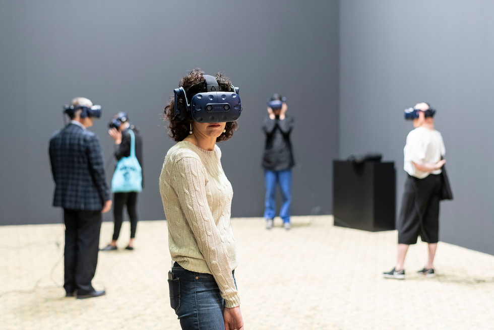 Photoservice_ArtBasel_Unlimited_goggles-
