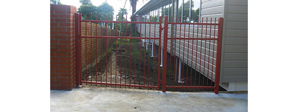 Commercial Fencing and Gates - CMFG 1011