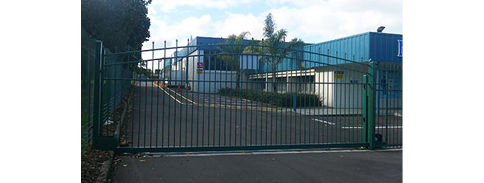 Commercial Fencing and Gates - CMFG 1010