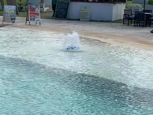 Robo-Pro - Resort Pool Cleaning