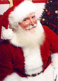Jonathan_G_Meath_portrays_Santa_Claus.jp