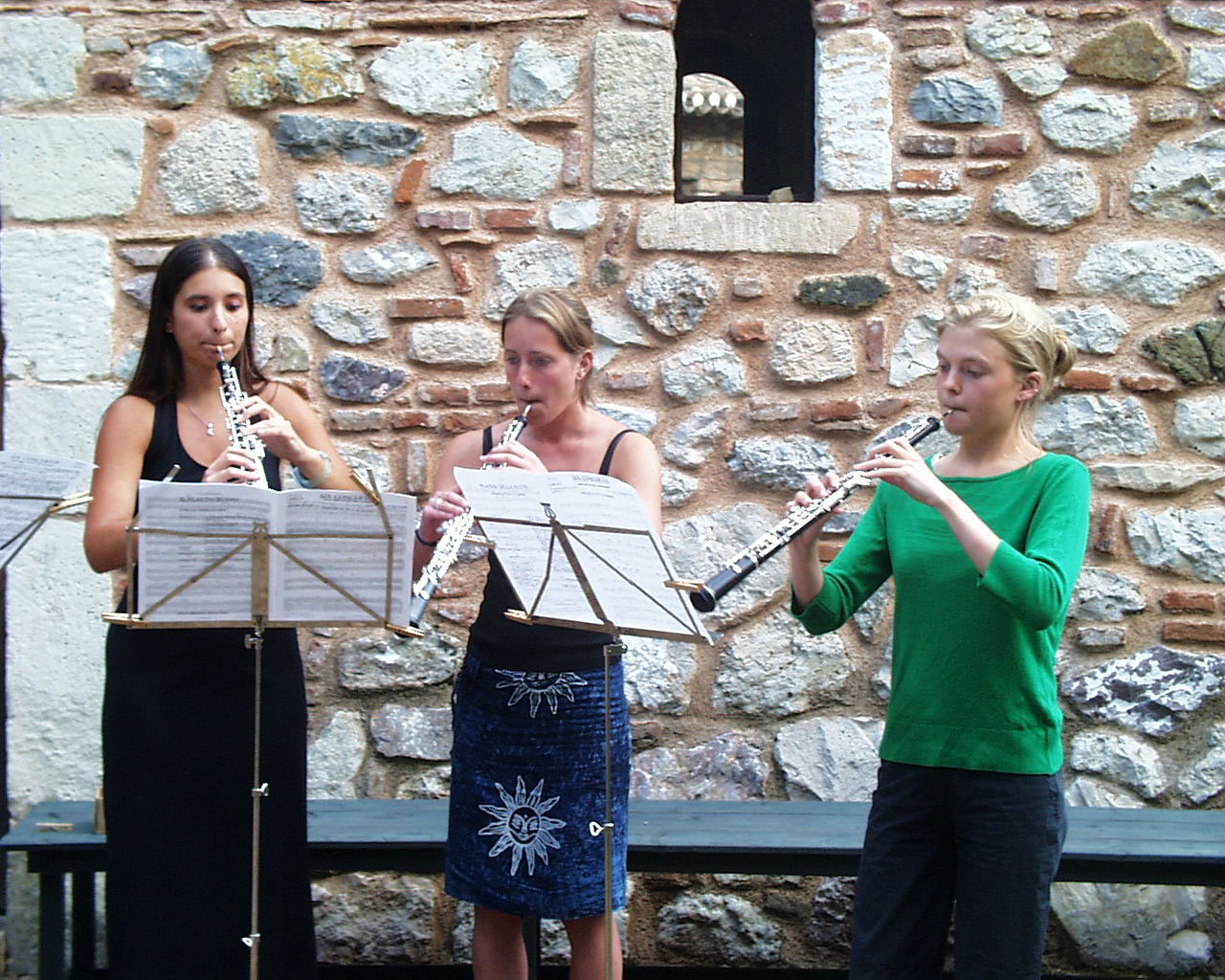 Musical entertainment at Candili