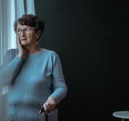 Conheça 10 sinais da demência senil e aprenda a lidar com o problema