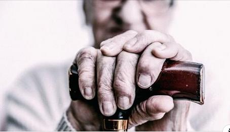 O que observar ao escolher casa de repouso para idosos?