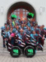 Gruppenfoto zugeschnitten 3.jpg