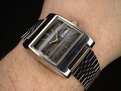 1970s Seiko Hi-Beat Chronometer square TV case watch 5626-5020 chronometer Seiko