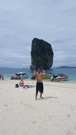 Niny at Thai beach.JPG