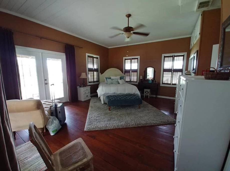 Guest House at Twin Oaks Ranch