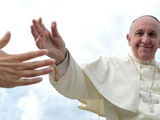 """Un """"gracias"""" y la petición de """"un gran aplauso"""" para """"muchos misioneros y misioneras."""