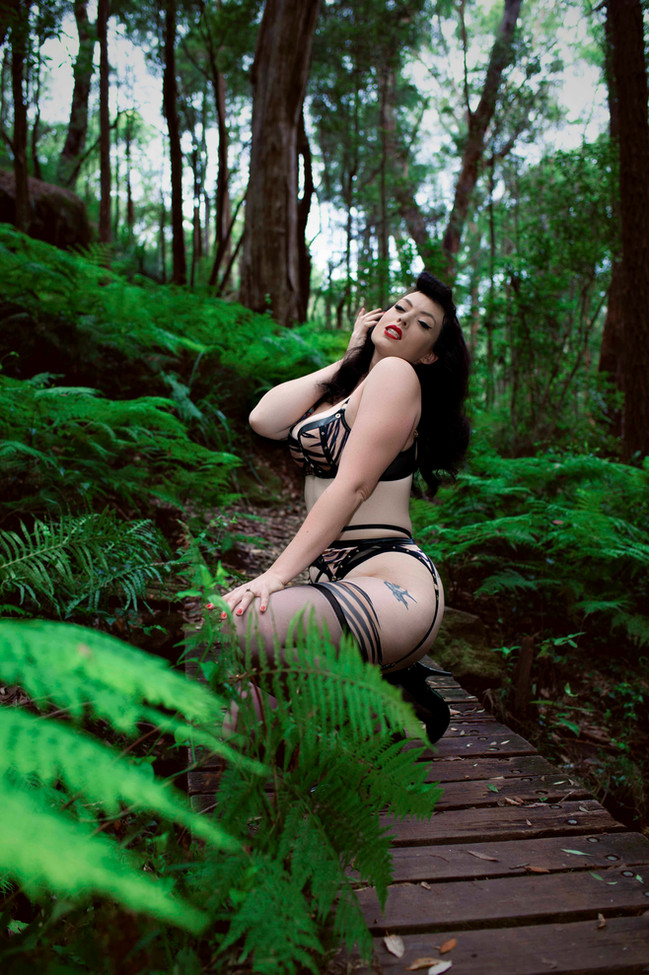 Bettie Page jungle