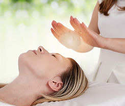 Woman%20having%20reiki%20healing%20treat