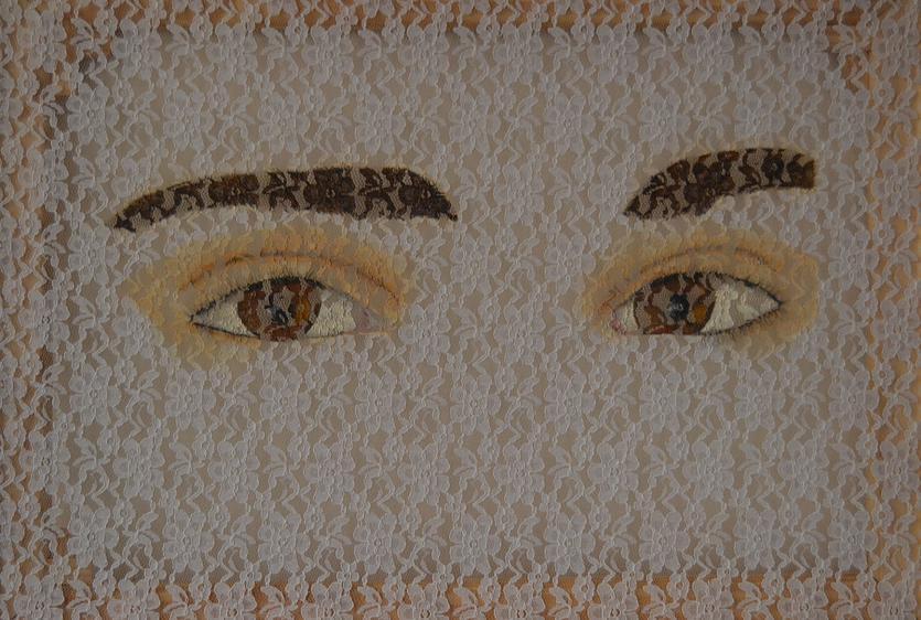 Montemurro Carina, Mirada Adolescente. Mixed Media on lace