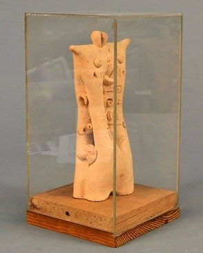 Gurvich, Jose. Untitled.Pite Fired Ceramic.h9,5.base12in.U$S15.000