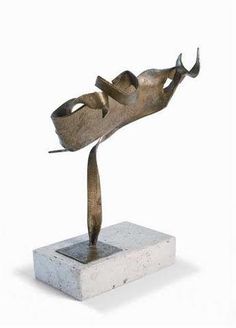 Iommi, Enio. Forma Barroca. Sculpture. Bronze.6x5x2,5 inches. U$S6.500.-