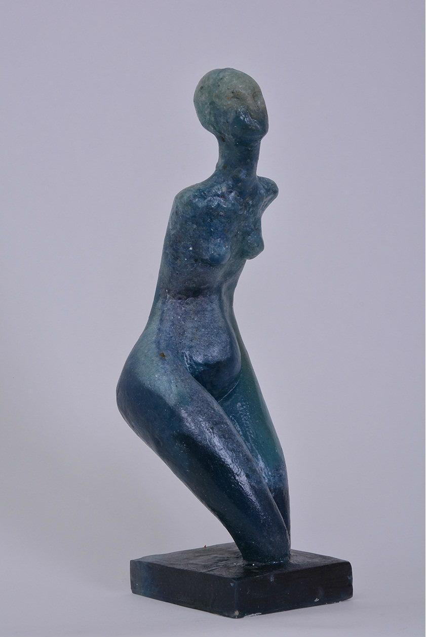 Lady in Blue. Resin. 13,7 in.