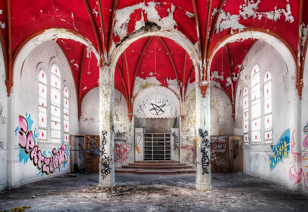 urban_exploring_chapel.jpg