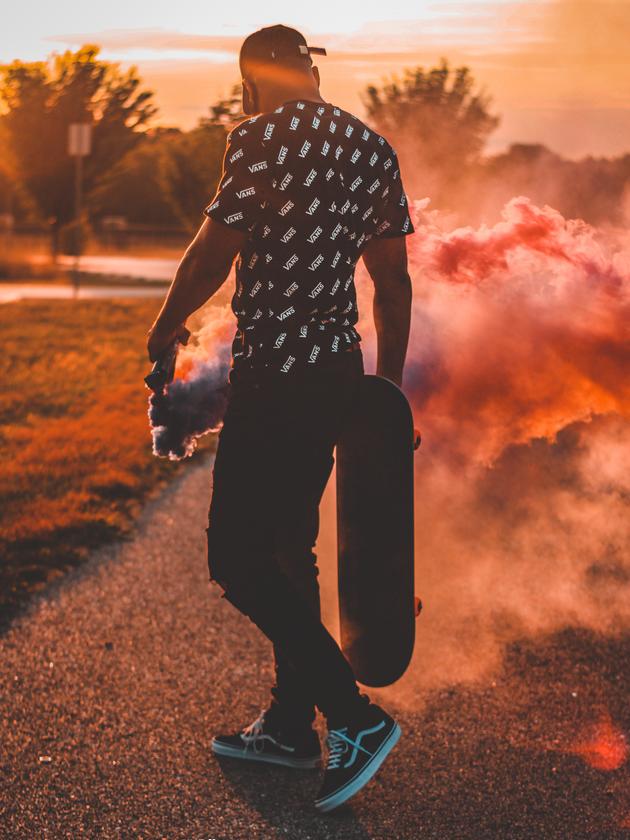 back-smoke-skateboard-2.png