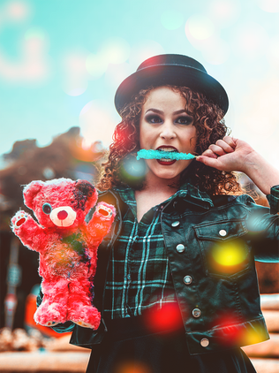 SMLA-whitegirl-candy-teddy.png
