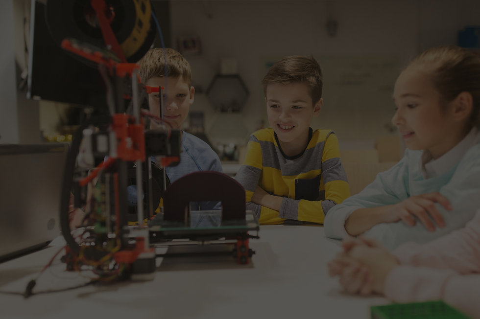 happy-children-with-3d-printer-at-roboti