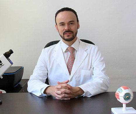 oftalmologo cancun especialista 2.jpg