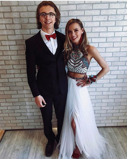 We love your prom pics! Please DM us your prom pics! 👗👗👗👗_Dress Available in Size 0_#sherrihill