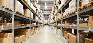 Eclairage industriel entrepôt
