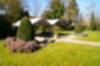 photo du parc de la maison de repos du Tournaisis. Le parc est beau. Le cadre de vie est paisible.