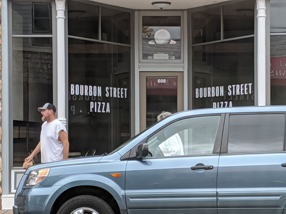 Bourbon Street Pizza Soft Opens At 608 Roosevelt