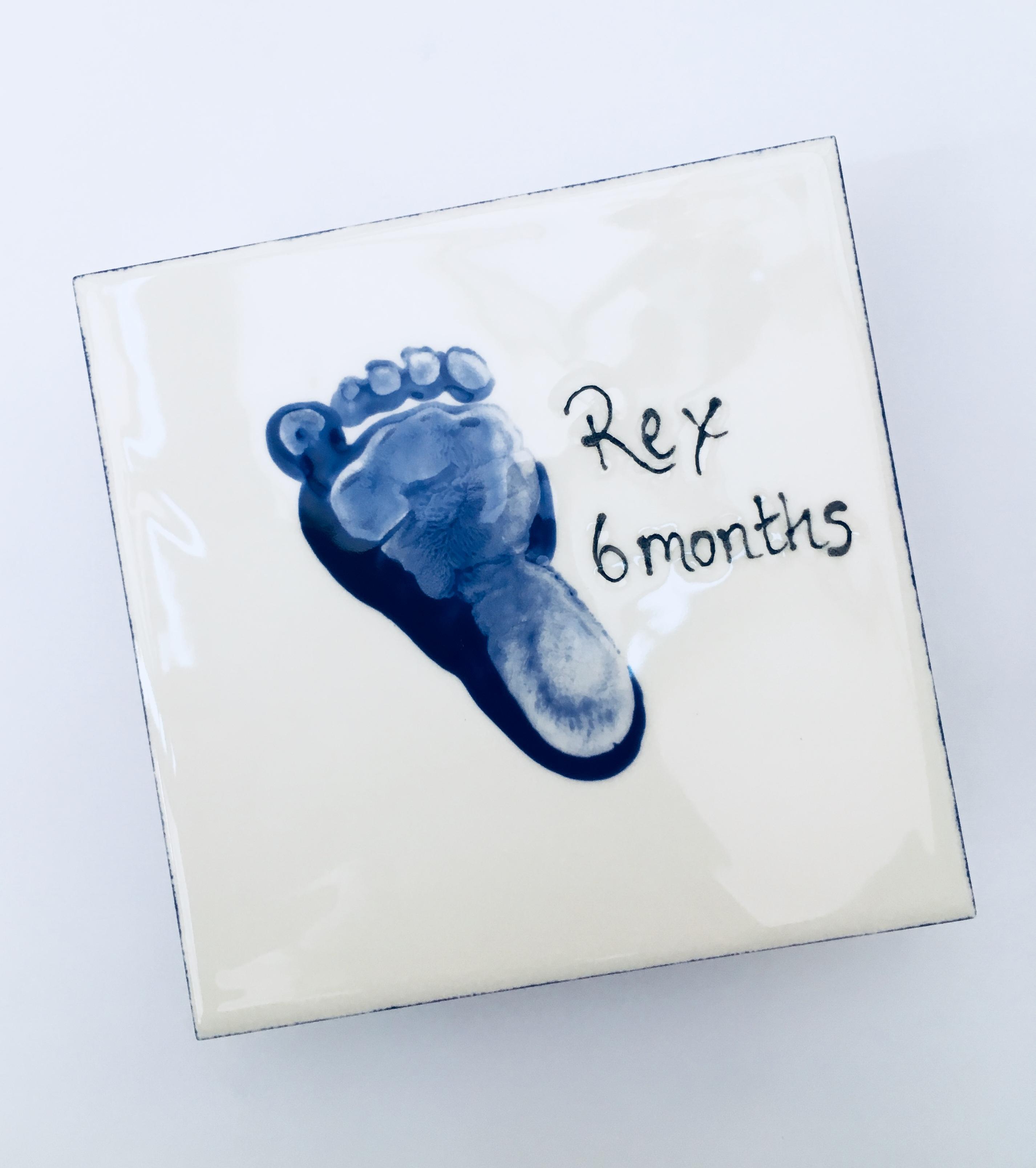 Baby foot print tile