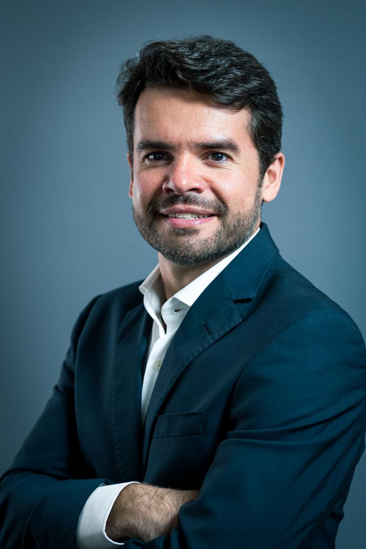 Retrato perfil empresário