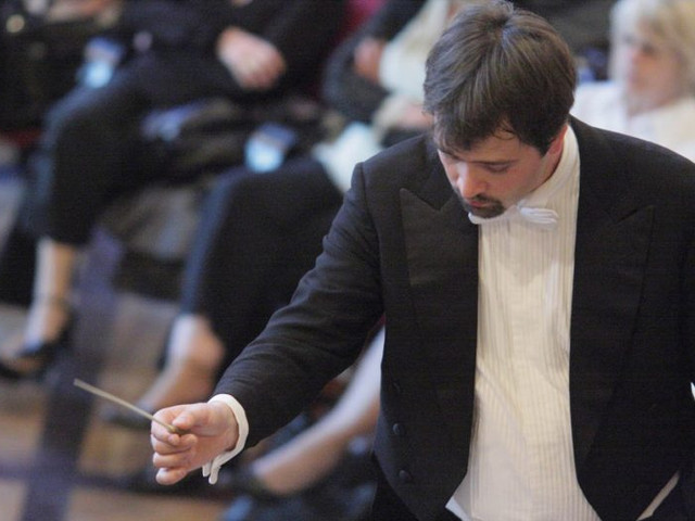 Peter Jablonski Conducting
